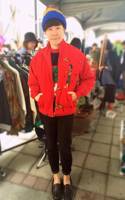 適合古典日本仕女、古著毛衣、手手市集、背後超美的日本古典仕女外套、三色毛帽、古著外套是和賣家好友@丁星買的的穿搭