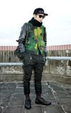 KENNETH COLE 鉚釘牛津鞋的時尚穿搭