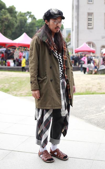適合帽子、T-SHIRT、襯衫、涼鞋、POLO、BORN的穿搭