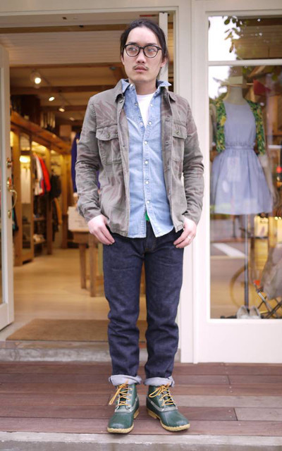 適合STREET、BEAMS、REMI RELIEF、SHIRT、T-SHIRT、牛仔褲、靴子、MYNT DENIM、ALOYE 、BEAMS X SUGAR CANE、BEAMS X LLBEAN的穿搭