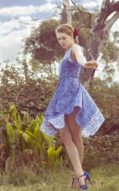 時尚穿搭:藍碎花裙
