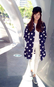 STONE'AS DOT SHOP COAT 的穿搭