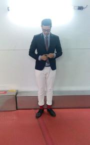 PULL&BEAR 白色牛仔褲的穿搭