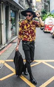 70'S 絲綢襯衫的穿搭