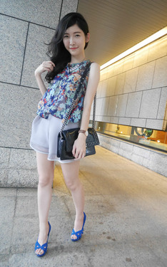 時尚穿搭:colorful outfit for colorful party