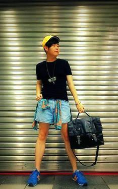 時尚穿搭:休閒街頭小男孩