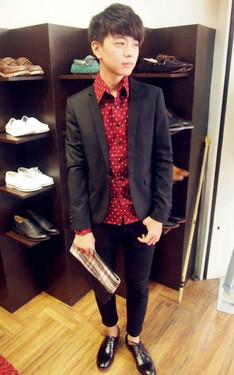 時尚穿搭:紅黑色系
