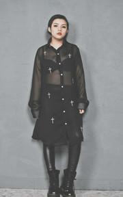 無品牌 歐美街頭設計刺繡十字架雪紡襯衫的穿搭