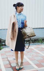 VALENTINO 鉚釘繫帶高跟鞋的穿搭