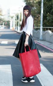 NEOSNAP SENSE 皮革手提包的時尚穿搭