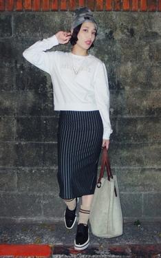 時尚穿搭:簡單上手的女孩Stussy潮流時尚風