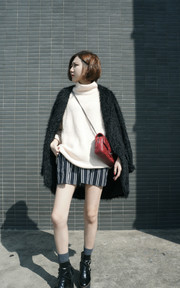 ZARA KNIT SWEATERS的穿搭