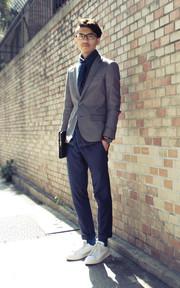 PLAIN-ME 雙扣灰色西裝的穿搭