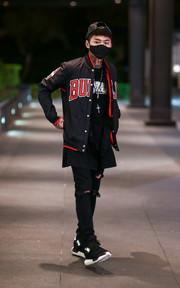 【感冒被誤以為韓流】真皮棒球帽 X復古棒球外套 X經典跑鞋