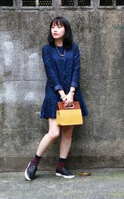 無品牌 藍色豹紋洋裝的時尚穿搭