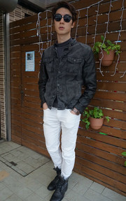 PULL AND BEAR LEATHER JACKET的穿搭