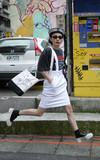 無品牌 白色吊帶裙的時尚穿搭