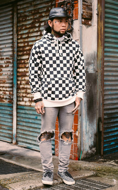 時尚穿搭:黑格子與白格子 的馬賽克效果