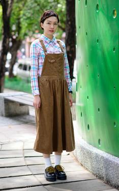 時尚穿搭:瀏海也收起來了