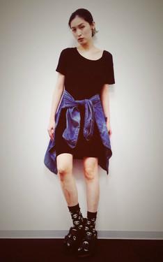 時尚穿搭:衣櫃裡唯一的色彩來自丹寧