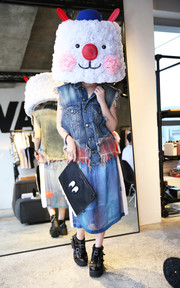 LAZY OAF CLUTCH BAG的穿搭
