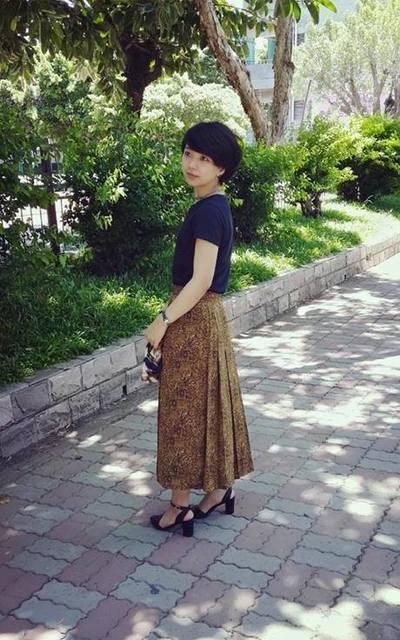 適合古著褲裙、尖頭粗跟鞋的穿搭