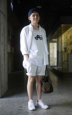 時尚穿搭:穿全白去游泳下水還不是脫光沒人看