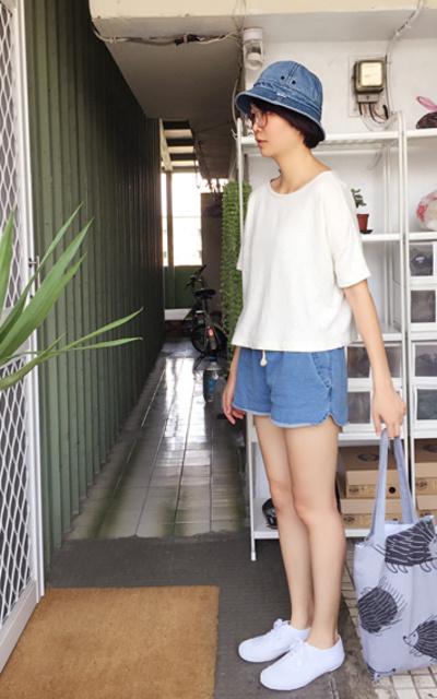 適合日系休閒、白色布鞋、BATA TENNIS的穿搭