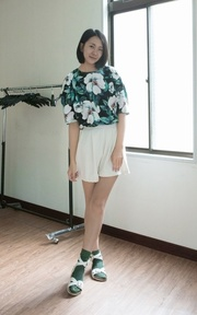 HU A NG 印花洋裝的穿搭