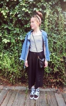 時尚穿搭:熱愛條紋的女子