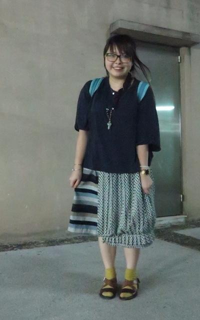 適合我是藍調、藍藍藍、日系、工作日、心情不錯的日子、涼鞋配襪子、飾物們、裙子、NG照、INITIAL、UUU...SHOP的穿搭
