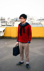 天氣冷就是該來件毛衣來做搭配