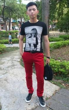 時尚穿搭:好久沒穿紅色長褲
