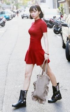 時尚穿搭:20151013 紅衣女孩