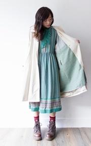 洋裝與風衣的完美結合