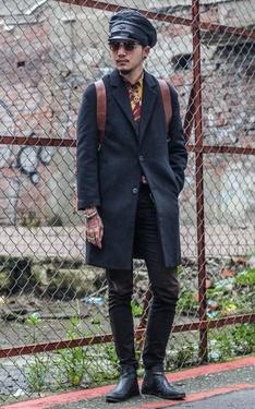 時尚穿搭:冷冷的冰雨在臉上胡亂的拍