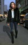 H&M 毛毛外套的時尚穿搭