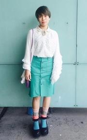 無品牌 SHOO LA RUE米白綴圓點恤衫 日本古著店刺繡胸針的穿搭