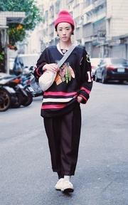 ETERNAL BLOSSOM 黑修飾寬褲的時尚穿搭