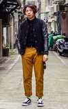 BARNEYS BOMBER JACKET的時尚穿搭