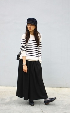 時尚穿搭:Stripe & Navy Blue