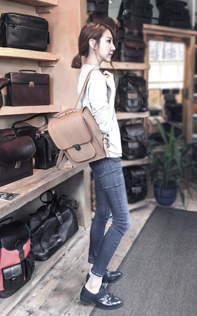 適合CASUAL、LONDON、TRAVELLING、SIMPLE AND CASUAL、MINIMAL、TOP、BACKPACK、ZARA、BEARA BEARA的穿搭
