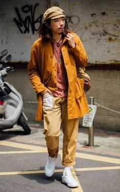 時尚穿搭:土黃戰士的復古白鞋