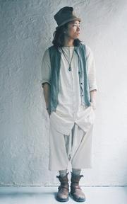 日本購入 拉長石玻璃藝術項鍊的穿搭