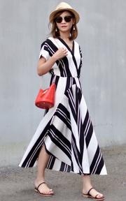 無品牌 條紋長洋裝的穿搭
