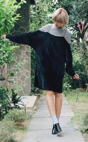 NEON 絨布過手袖洋裝的穿搭