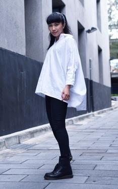 時尚穿搭:非黑即白_襯衫可以拿出來穿了