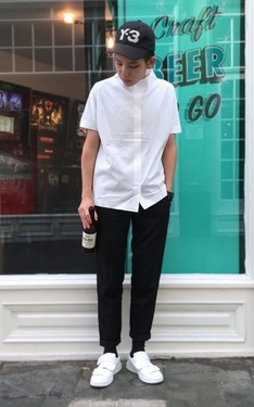 時尚穿搭:▲ #green #black #and #white #cos #cosstore #acne #acnestudios #y-3 #beer #beertogo 。▲