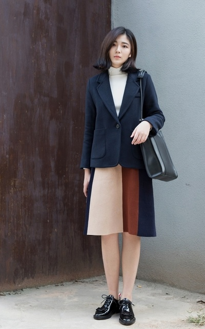 適合SIMPLE AND CASUAL、KOREA、SUIT、SKIRT、TOP、SOMEPIECE的穿搭