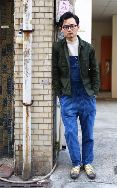適合MIX&MATCH、日本街頭、尼龍防風襯衫、華夫格中高領寬版TEE、WABASH 吊帶褲、防水訓練鞋、YAECA、PLAIN-ME、SYNDRO、BLUEBLUE X MOONSTAR的穿搭